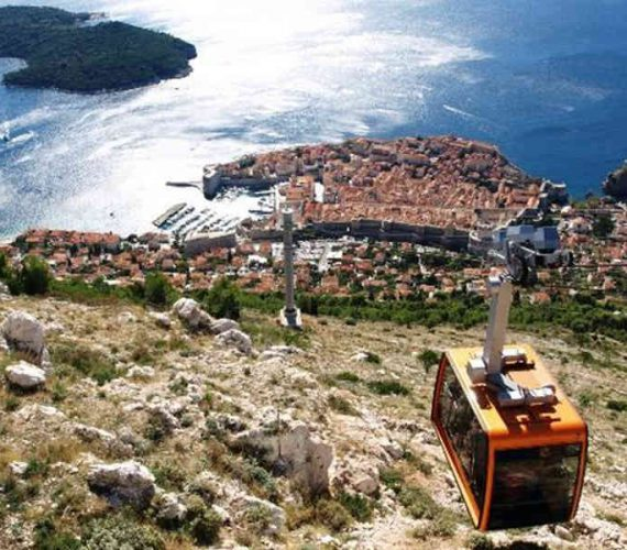 Explore Dubrovnik by Cable Car from Dubrovnik / 37 EUR